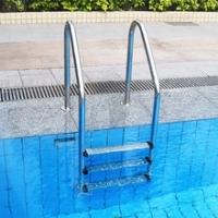 Échelles pour piscine